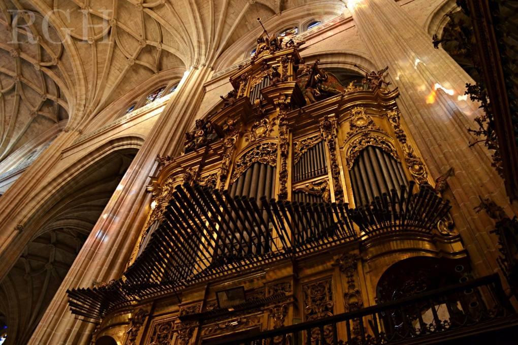 Órgano de la nave de la Epístola. Catedral de Segovia